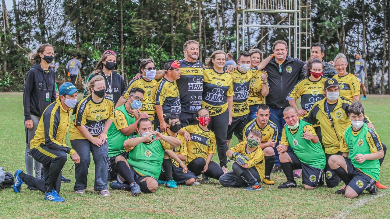 Motivação: Elenco da Serpente Aurinegra recebe visita do time FC Cascavel Down