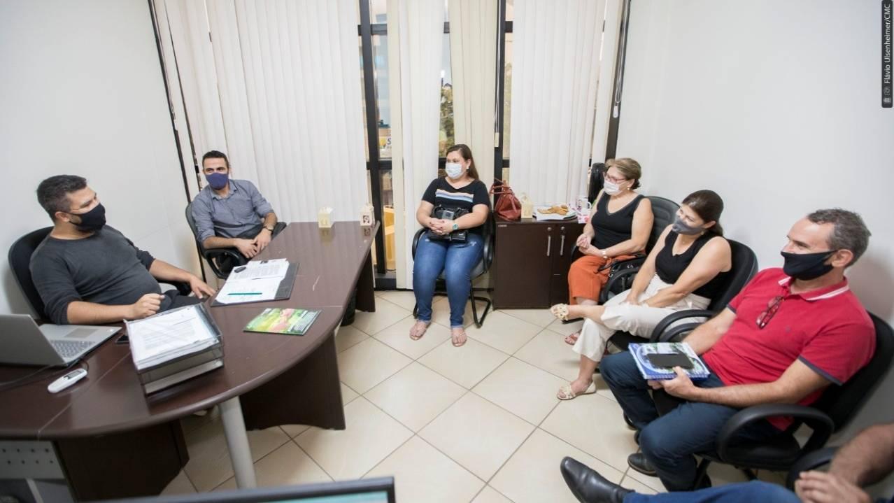 """""""É preciso lutar e ampliar o mercado da agricultura familiar"""", defende Edson Souza"""