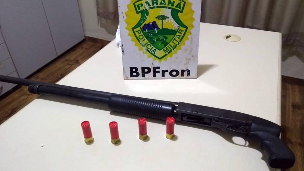 BPFRON apreende espingarda calibre 12 na cidade de Terra Roxa-PR