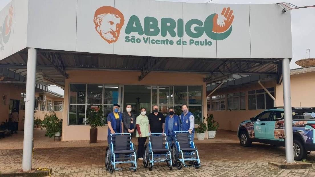 Projeto Mobilidade para Todos realiza a entrega de 9 cadeiras de rodas