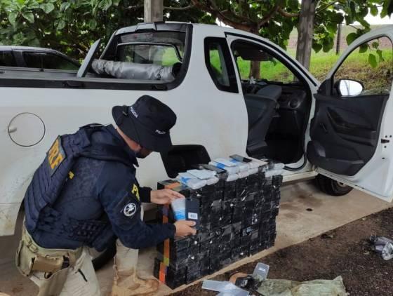 PRF apreende Crack e Eletrônicos transportados em fundos falsos em Céu Azul