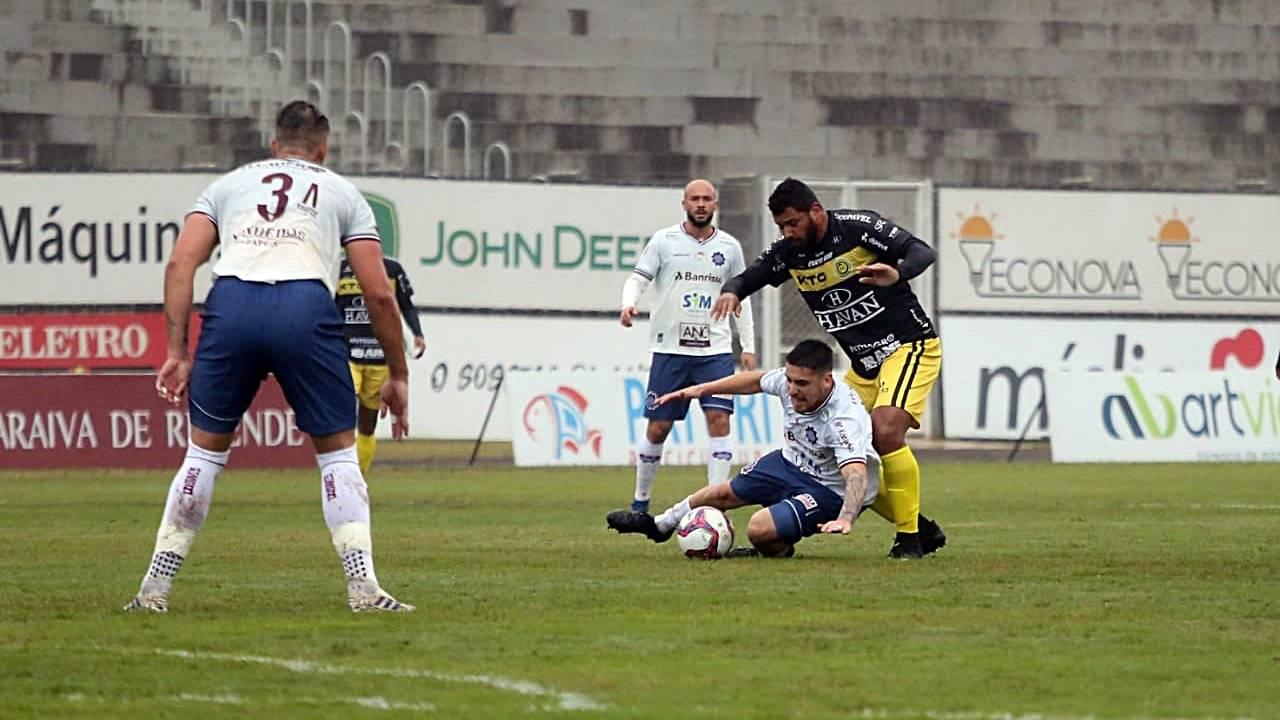 FC Cascavel domina partida e vence Caxias no Olímpico Regional pela Série D do Brasileirão