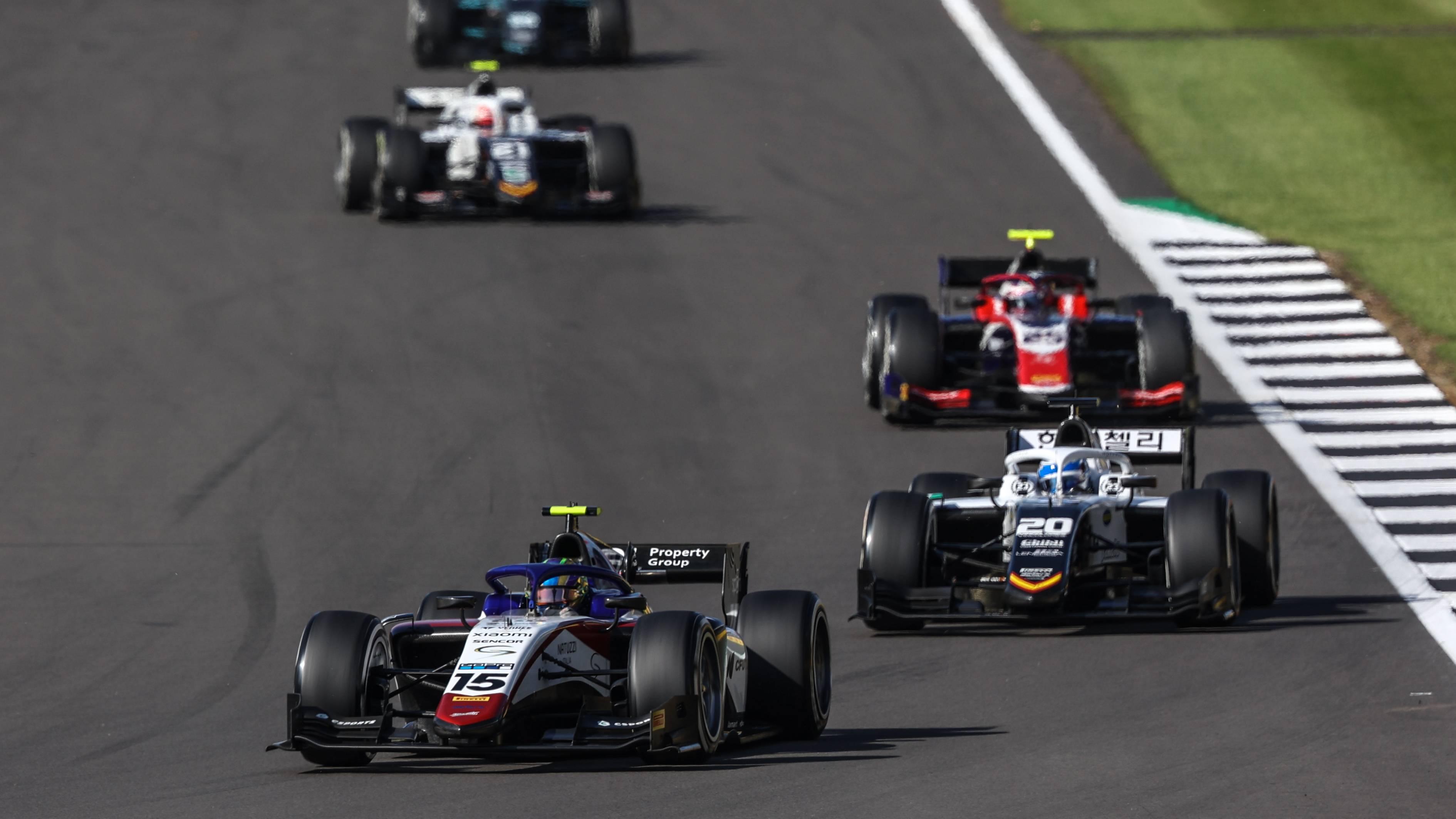 Samaia sofre com problemas de motor na etapa da Fórmula 2 na Inglaterra