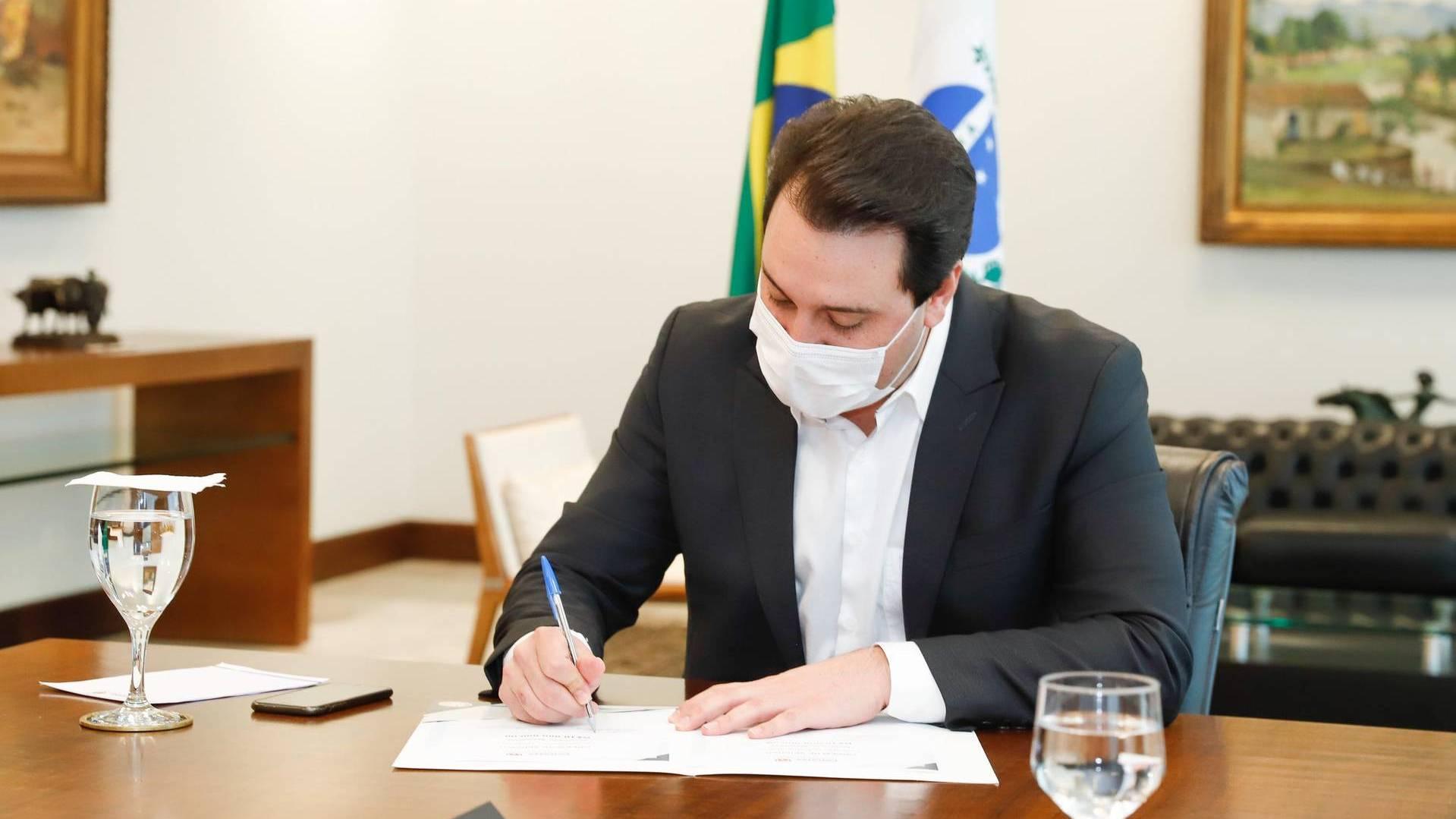 Governador sanciona lei que delega rodovias estaduais da nova concessão de pedágios