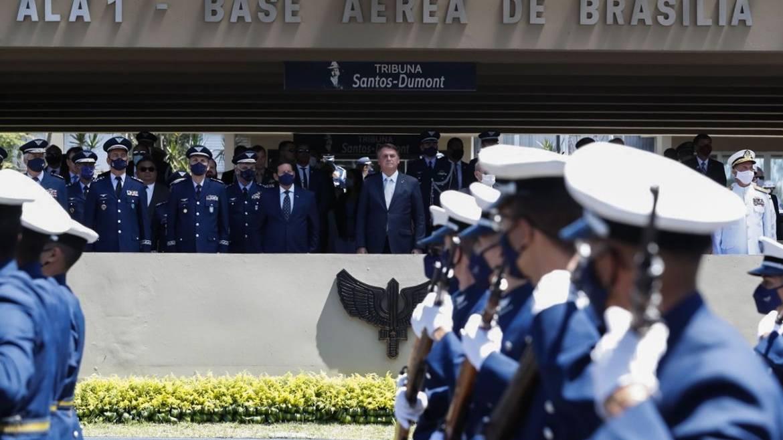 Aeronáutica faz 80 anos e Bolsonaro destaca papel da Força