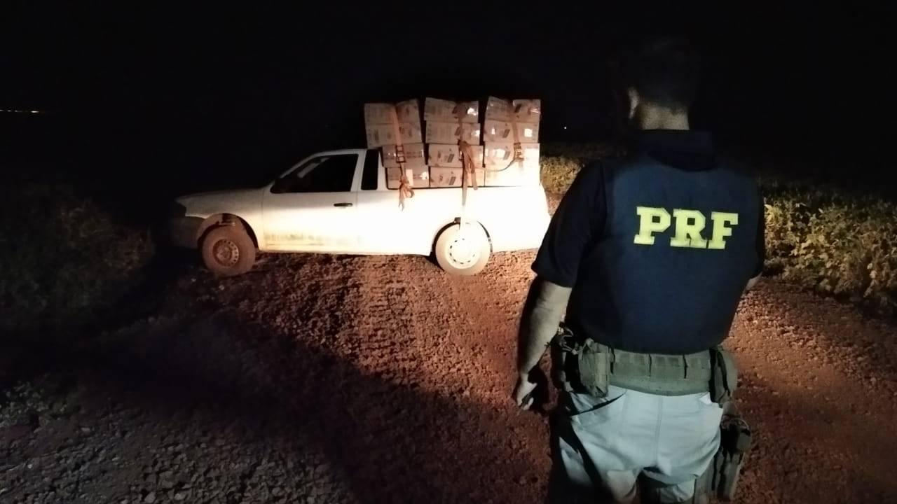 PRF apreende duas camionetes carregadas de cigarros no oeste do Paraná