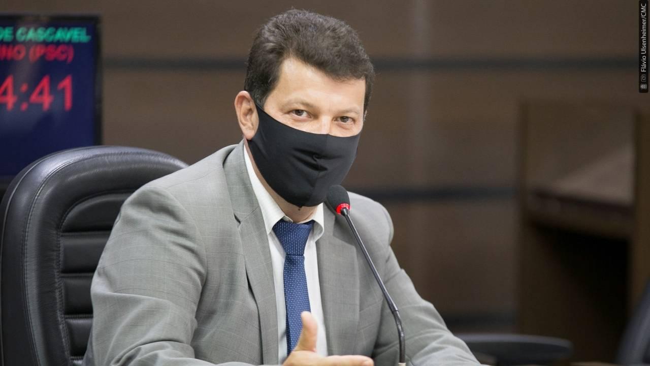 Emenda aprimora programa Adote Uma Praça e projeto tem aprovação definitiva