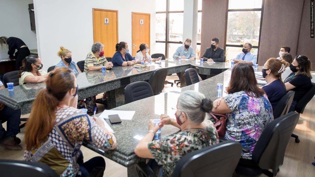 Comissão de Saúde e Assistência Social discute geração de renda para artesãos