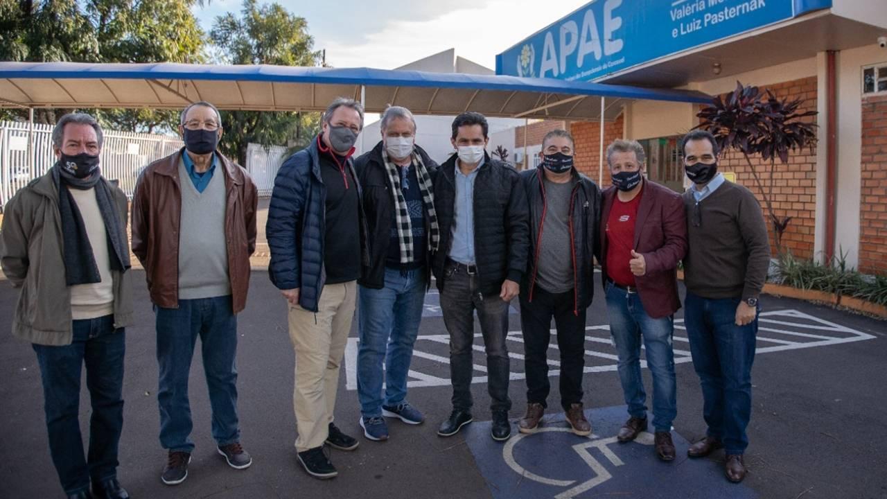 Vereador Melo confirma emenda para compra de veículo para Apae