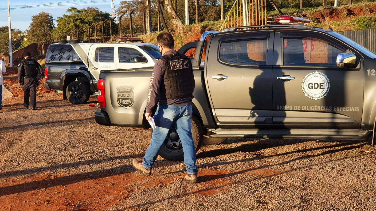 Polícia Civil cumpre mandado de busca e apreensão na casa de empresário no Bairro Brasmadeira