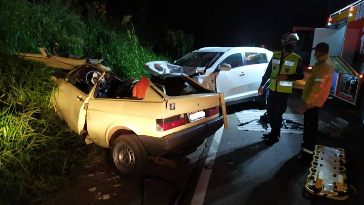 Dois jovens de 19 anos morrem em acidente na SC-160