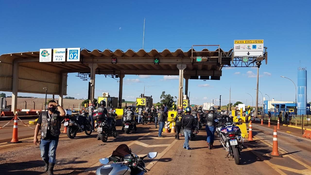 """Mais de 200 motociclistas participam de motociata em prol do """"Pedágio Zero"""" no Oeste"""