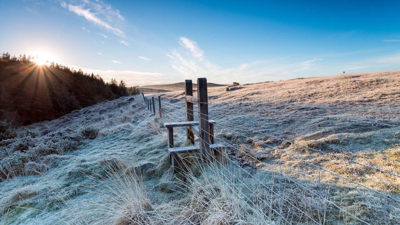Temperaturas em queda: especialista dá dicas para manter os ambientes aquecidos em dias de frio