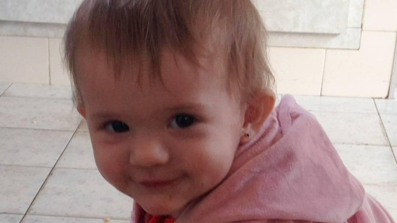Bebê que se afogou em balde e perdeu movimentos tem alta após 48 dias e duas cirurgias