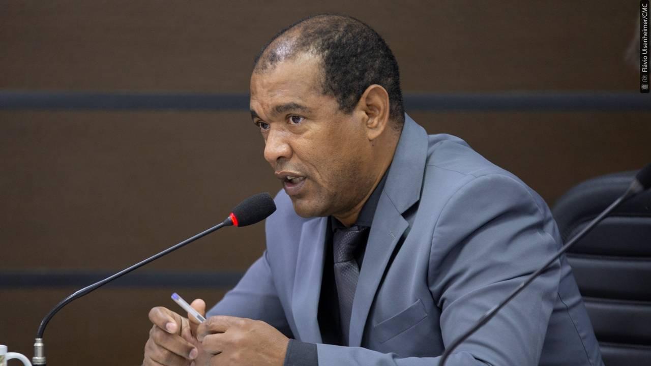 Madril pede ao prefeito projeto que regularize uso dos imóveis das associações de bairro
