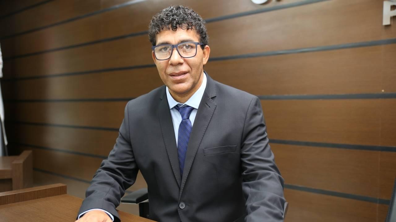 Josias de Souza critica instalação de novos pedágios em rodovias da região