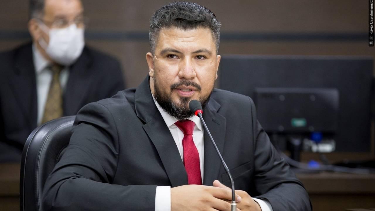 Cootacar: Edson Souza questiona secretário sobre convênio entre cooperados e restaurantes populares