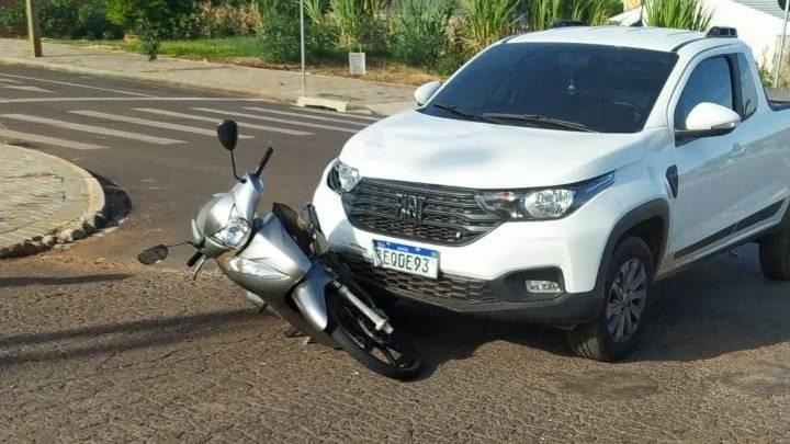 Motociclista fica ferida após colisão de trânsito no Bairro Cascavel Velho
