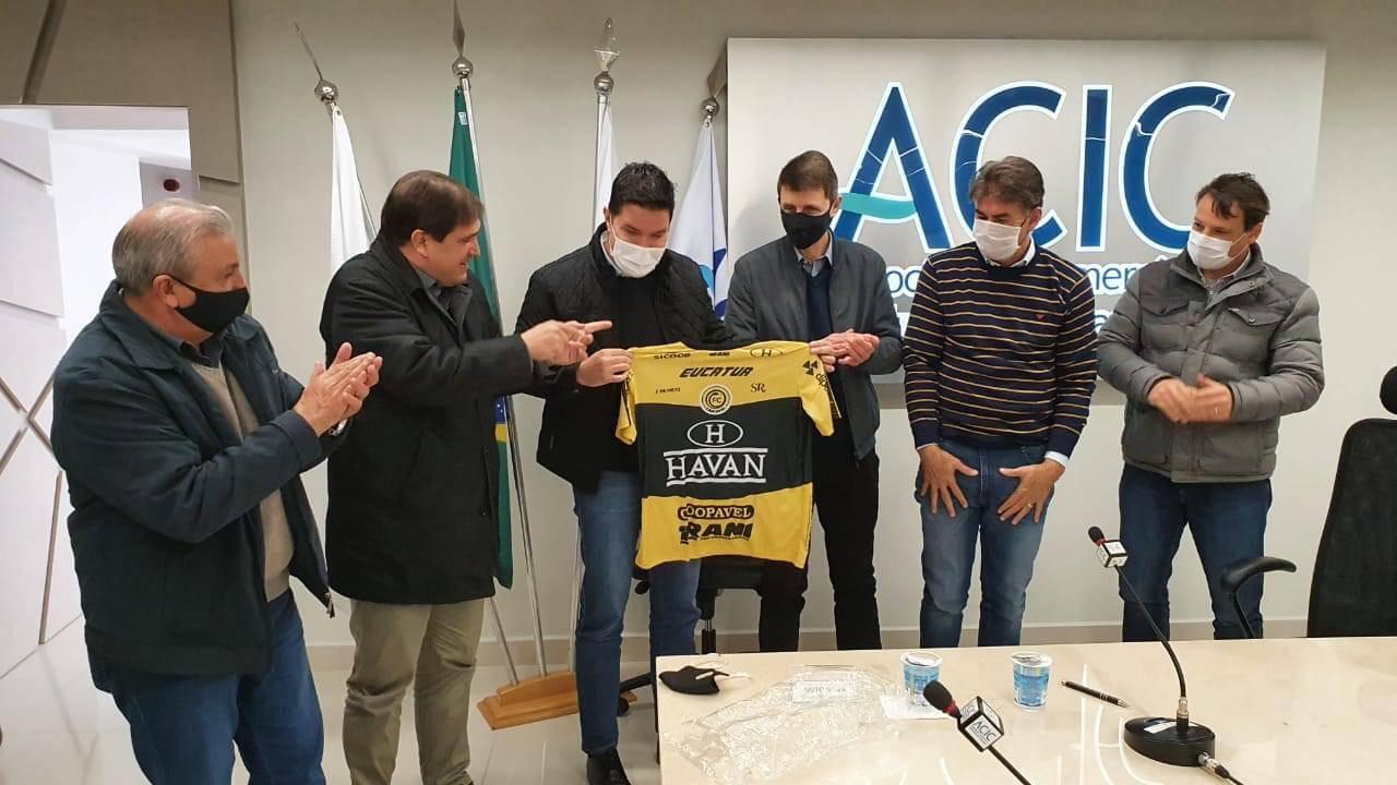 FC Cascavel chega à marca de 46 mil camisas vendidas na temporada 2020