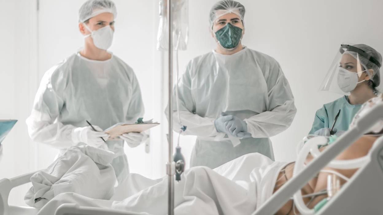"""""""Combustível para seguirmos"""", diz médico sobre retorno de pacientes recuperados da Covid-19 no Huop"""