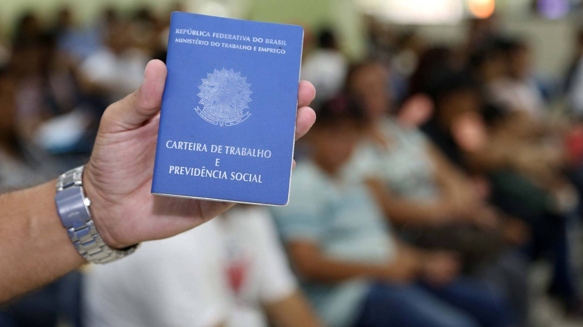 Parceria com agência francesa vai aprimorar tecnologia para atender trabalhadores no Paraná
