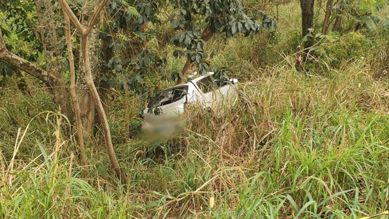 Duas pessoas morrem em grave acidente de trânsito na BR-277: Carro com placas de Cascavel