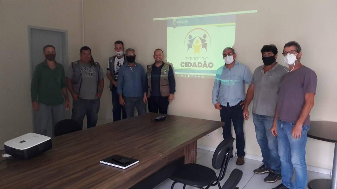 Território Cidadão: Professor Santello conhece ações e projetos em andamento