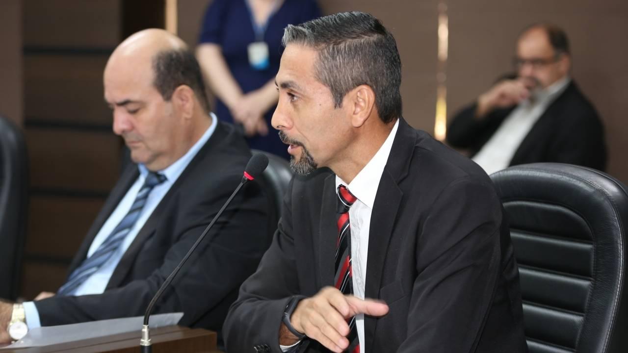 CMC: Carlinhos avança com profissional de educação física na rede municipal