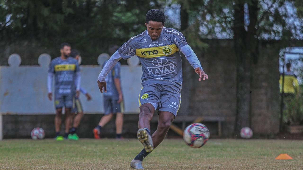 FC Cascavel contrata meio-campo Guilherme Biteco para sequência do Brasileirão da Série D