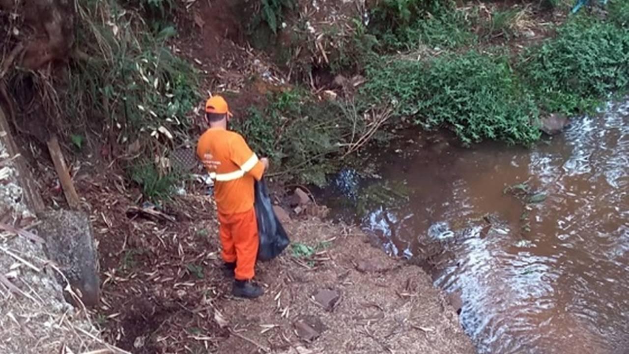 Meio Ambiente realiza limpeza de rios em Cascavel