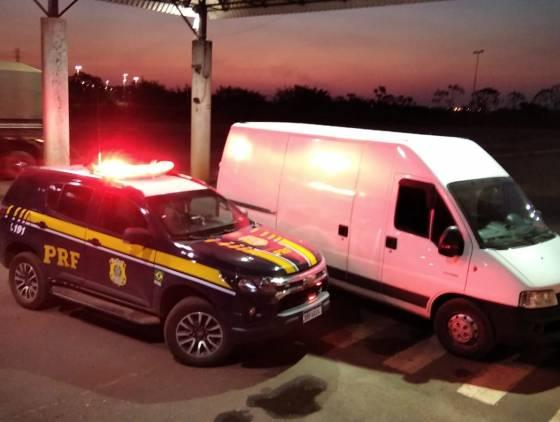 PRF recupera van furtada em Arapongas-PR