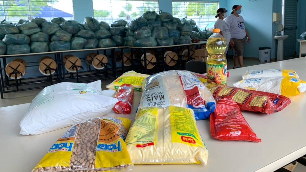Provopar Cascavel entrega 150 cestas básicas