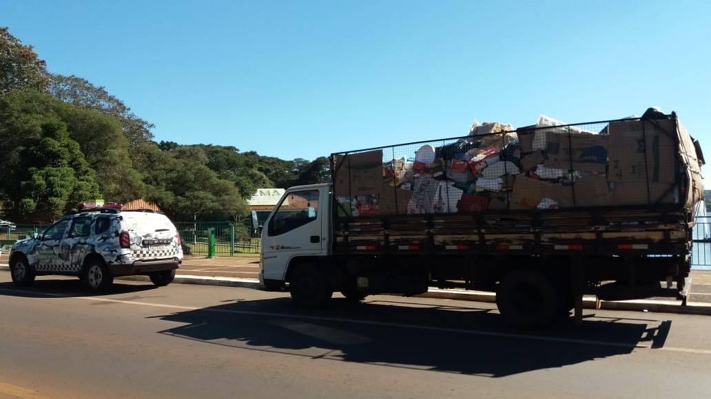 """Patrulha Ambiental realiza abordagem de """"atravessadores"""" do Programa Reciclar é Preciso"""