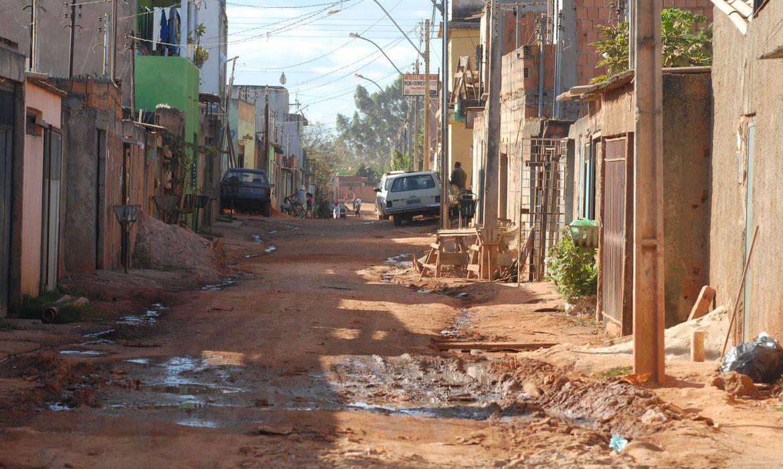 Estudo aponta que auxílio emergencial tirou 13,1 milhões da pobreza