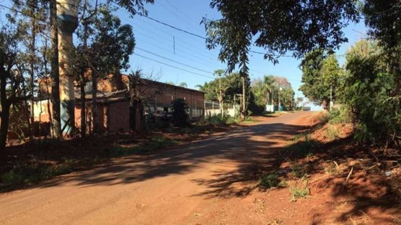 Paranhos homologa contrato para obras de asfalto no Lago Azul