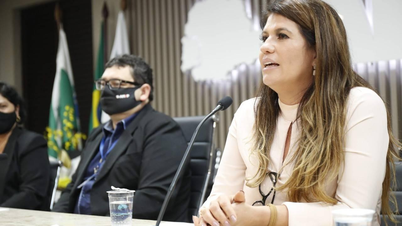 Fabiola Paranhos, assume a presidência da Adamop (Associação das Damas do Oeste do Paraná)