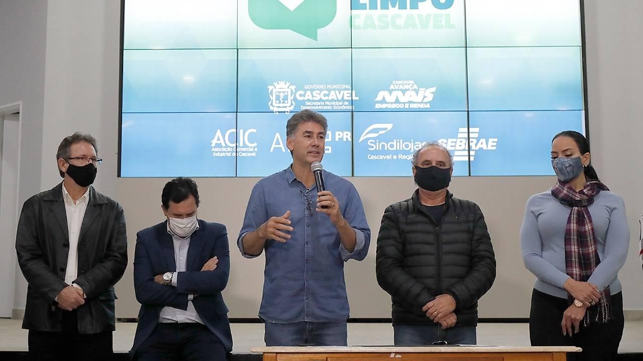 Meu nome limpo: Paranhos lança campanha que facilita renegociação de dívidas