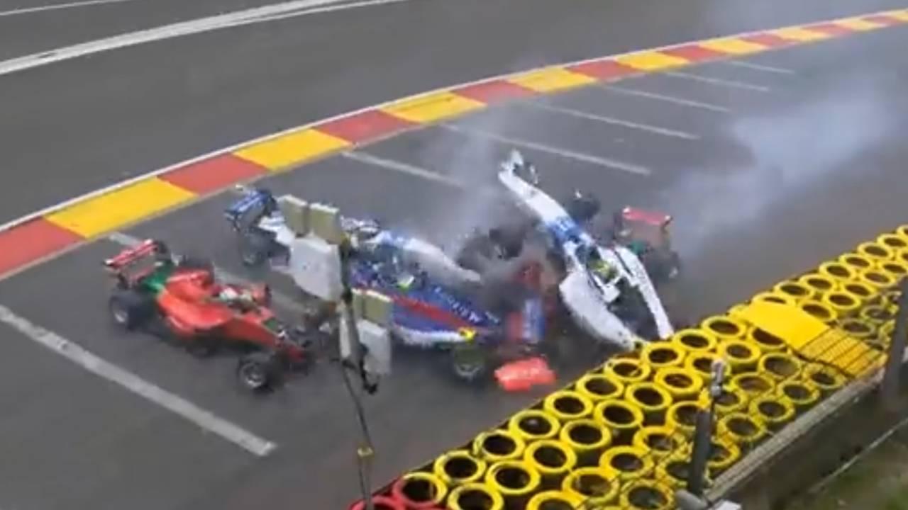 Visser e Agren são levadas ao hospital após forte acidente em classificação na Bélgica: Vídeo