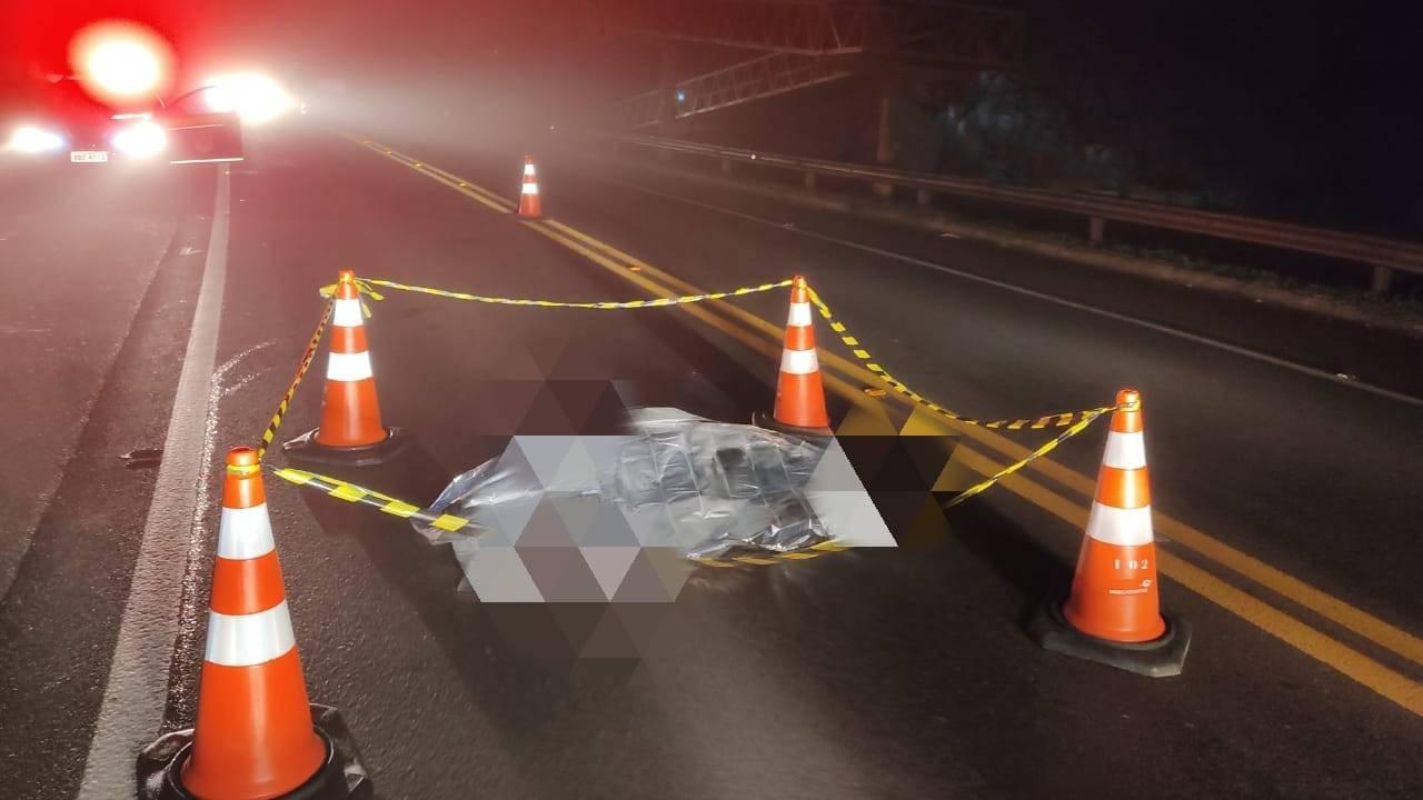 Mulher morre após ser atropelada por caminhonete na BR-277