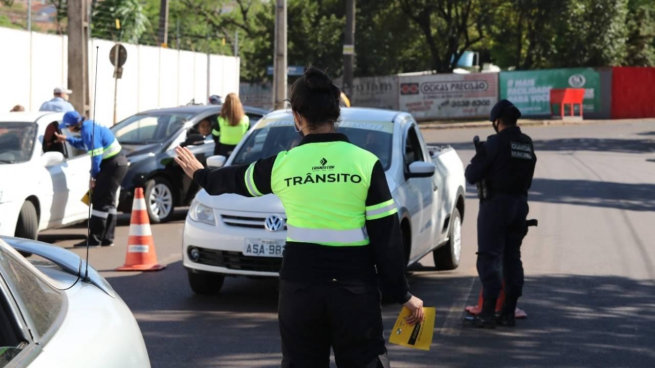 ATENÇÃO: Transitar informa bloqueio em ruas no Centro de Cascavel