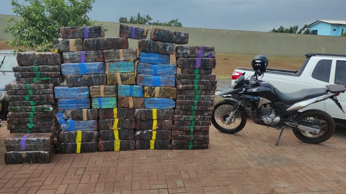 Polícia Militar apreende mais de uma tonelada de maconha no oeste do Paraná