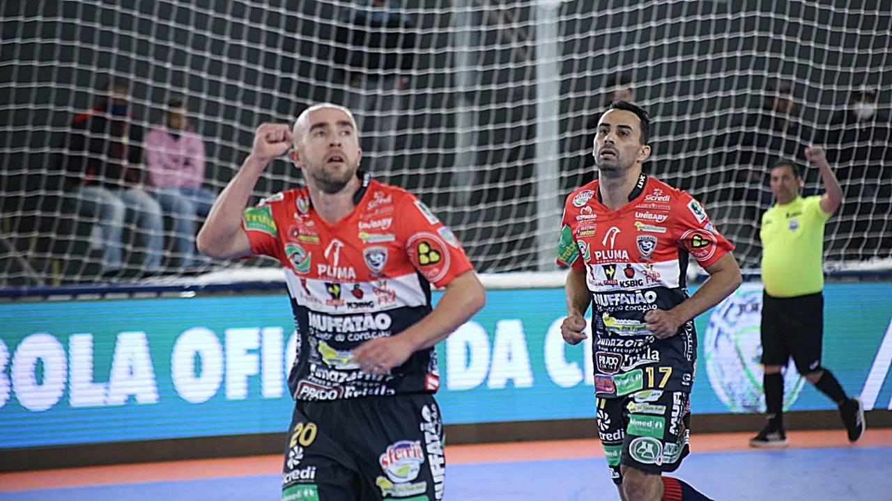 Em partida com virada emocionante, Cascavel Futsal vence Abílio Nery (AM) por 6 a 4
