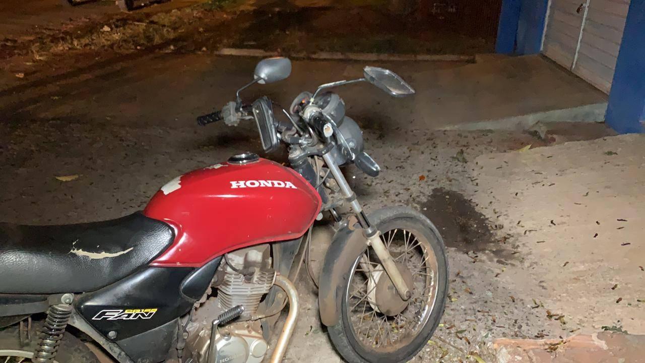 Motociclista fica ferido após queda de moto na Rua Londrina