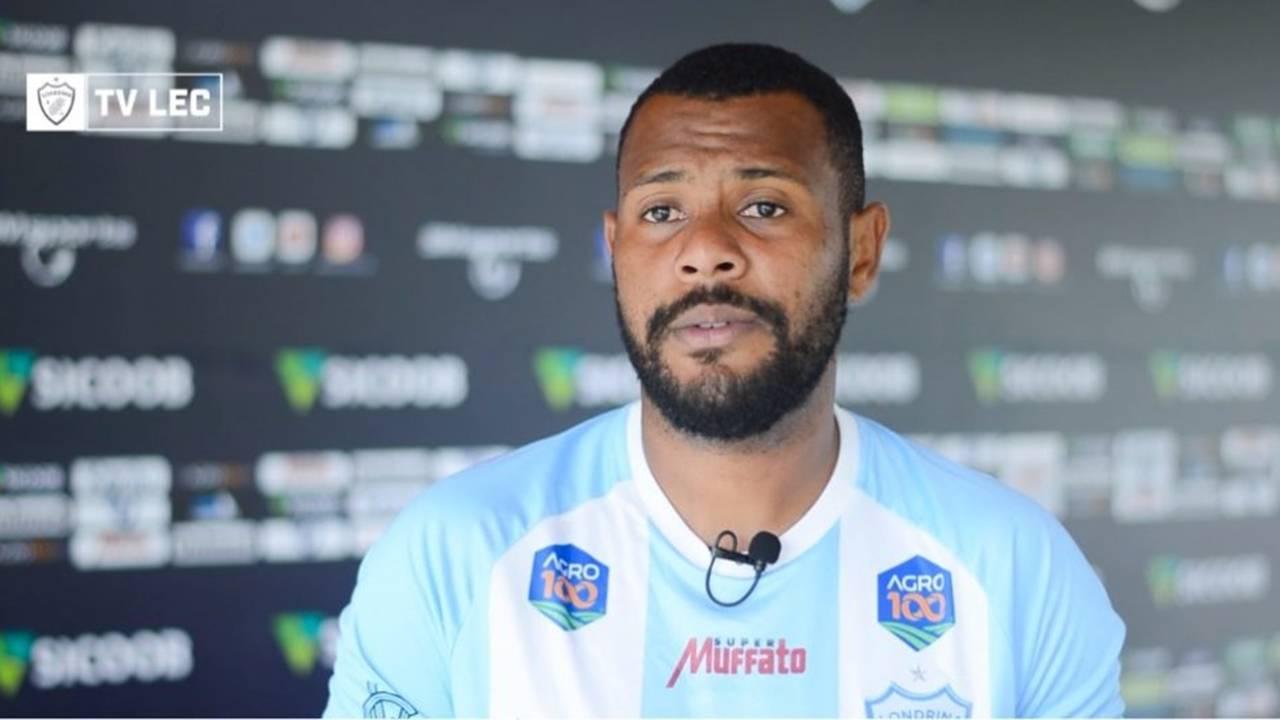 Adenilson ex-FC Cascavel é apresentado no Londrina e elogia Marcelo Caranhato