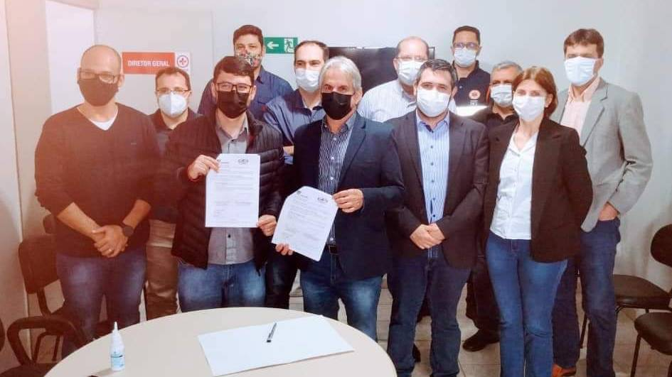 Consamu e Unioeste firmam convênio em Residência Médica de Emergência