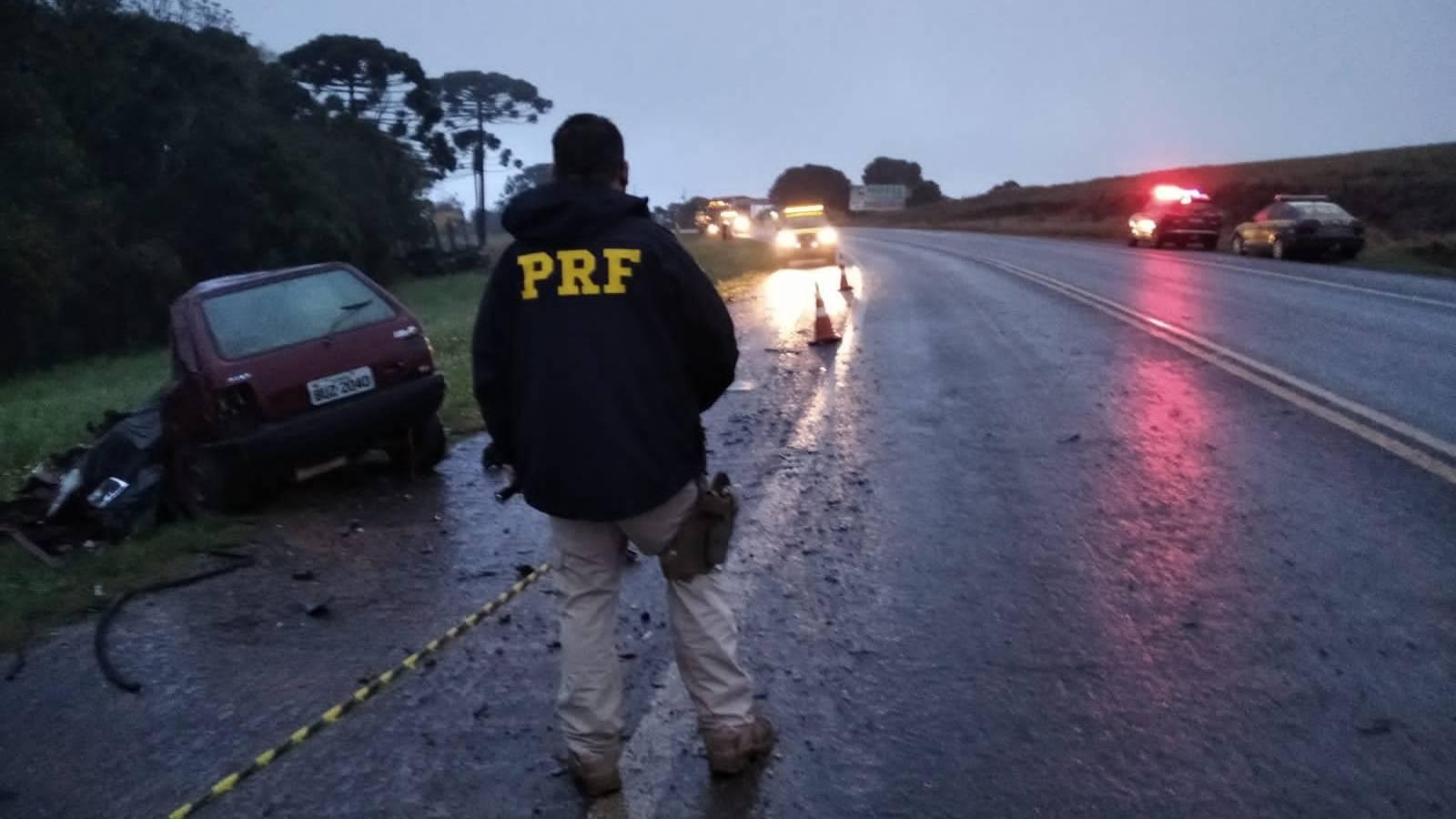 PRF de Ponta Grossa atende  acidente com óbitos na BR 373, em Imbituva