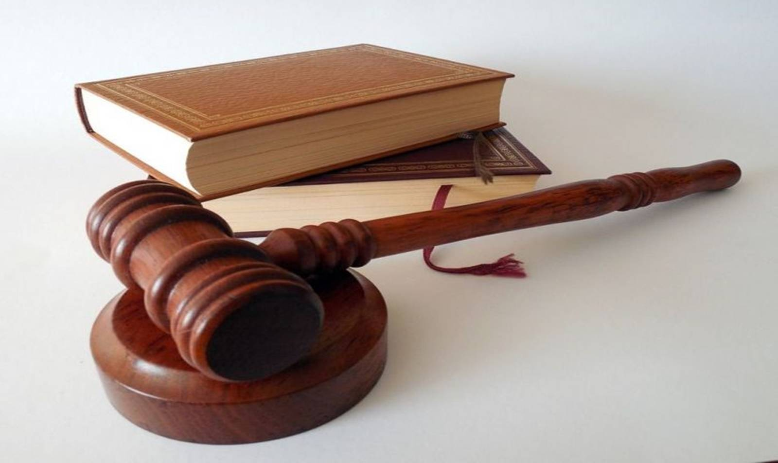 Renner é condenada a indenizar cliente em R$ 15 mil por cobrança indevida