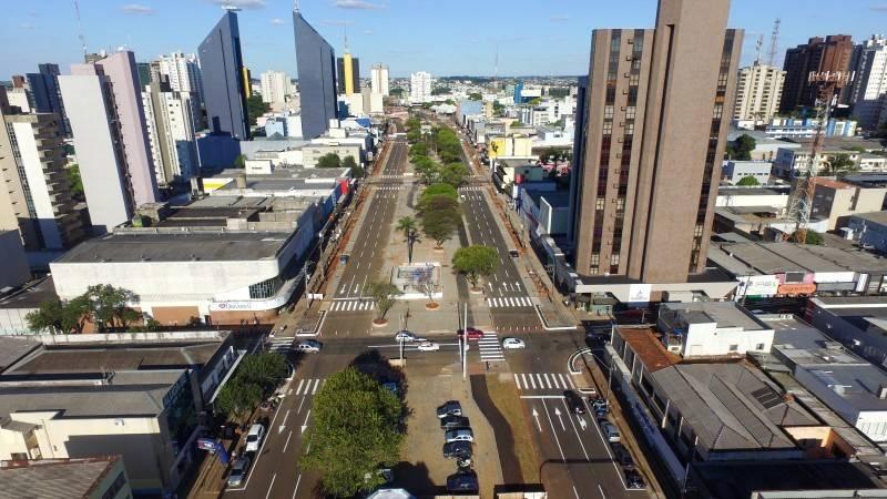 Paranhos assina estudo de retomada econômica em Cascavel