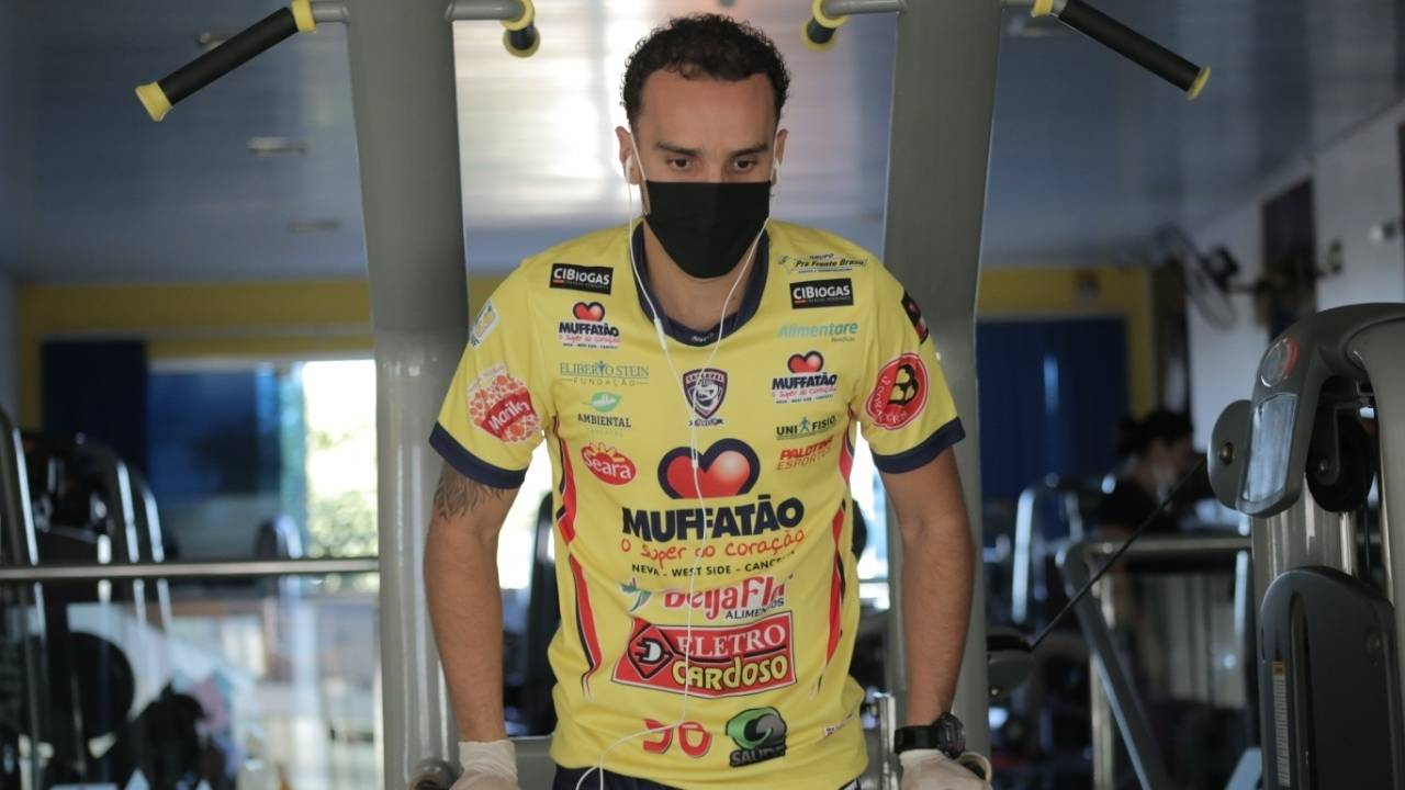Após encontro virtual com a federação, Futsal no Paraná pode retornar em junho