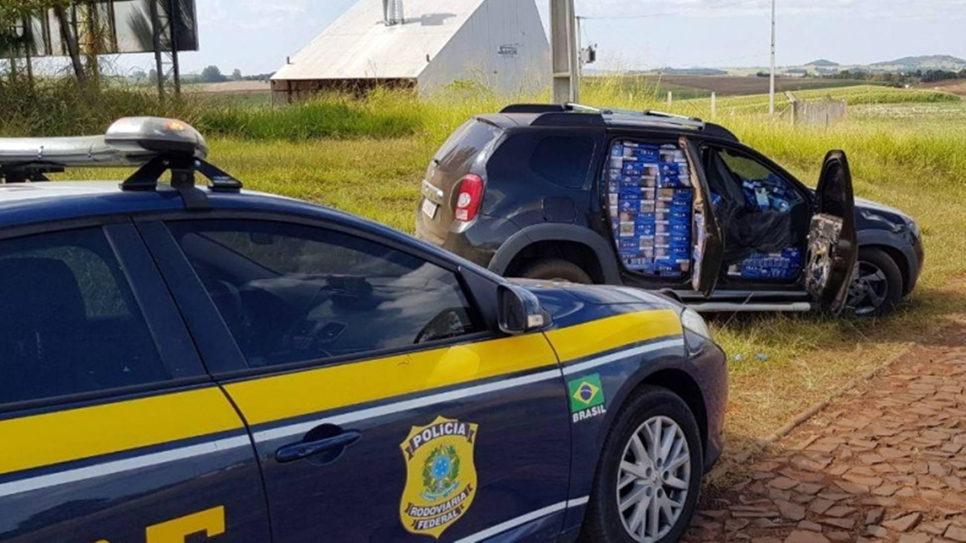 PRF e Polícia Civil recuperam no sudoeste do Paraná carro roubado na Grande Curitiba
